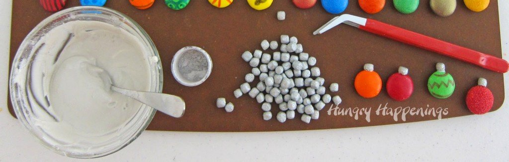 How to make edible Christmas ornaments using Mega M&M's and Mallow Bits | HungryHappenings.com