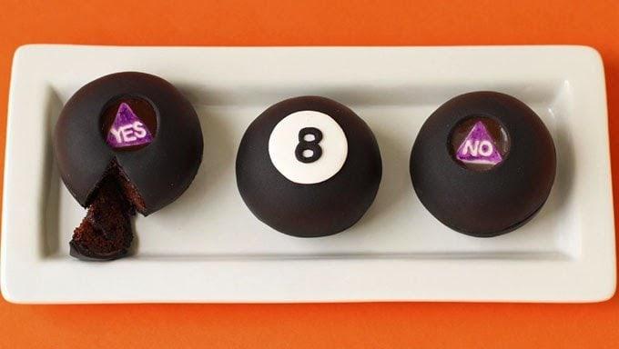 Magic Eight Ball Cakes