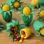 candy-filled-ear-of-corn-cookies-Thanksgiving-recipes-1