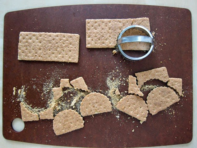 How to cut graham crackers using cookie cutters. | HungryHappenings.com