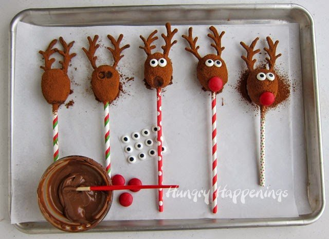 How to make Rudolph the Red Nose Reindeer Pops from HungryHappenings.com