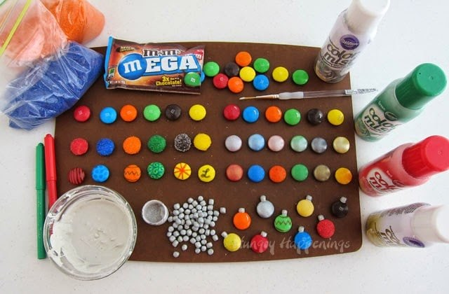 How to make Mega M&M Christmas Ornaments from HungryHappenings.com