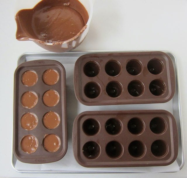 Mini Chocolate Cheesecakes Recipe | Holiday Recipes by HungryHappenings.com