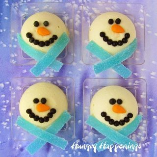 Mini Cheesecake Snowmen