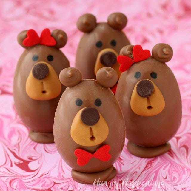 Buckeye Bears - Peanut Butter Fudge Filled Chocolate Teddy Bears make adorable Valentine's Day treats. Recipe and tutorial from HungryHappenings.com