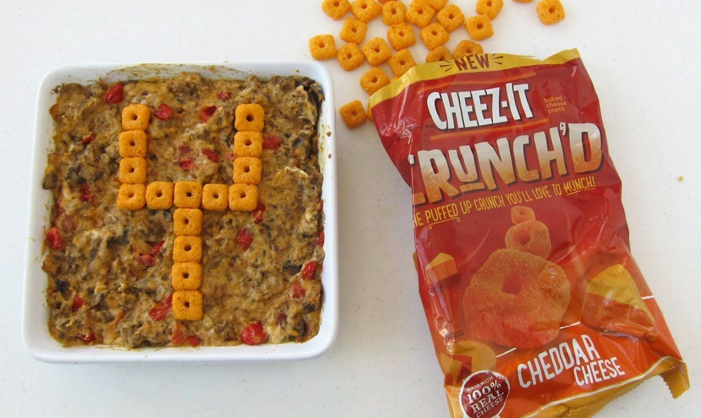 A super simple way to decorate any dip for a Super Bowl party from HungryHappenings.com
