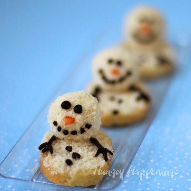 Cute Snowman Treats from HungryHappenings.com