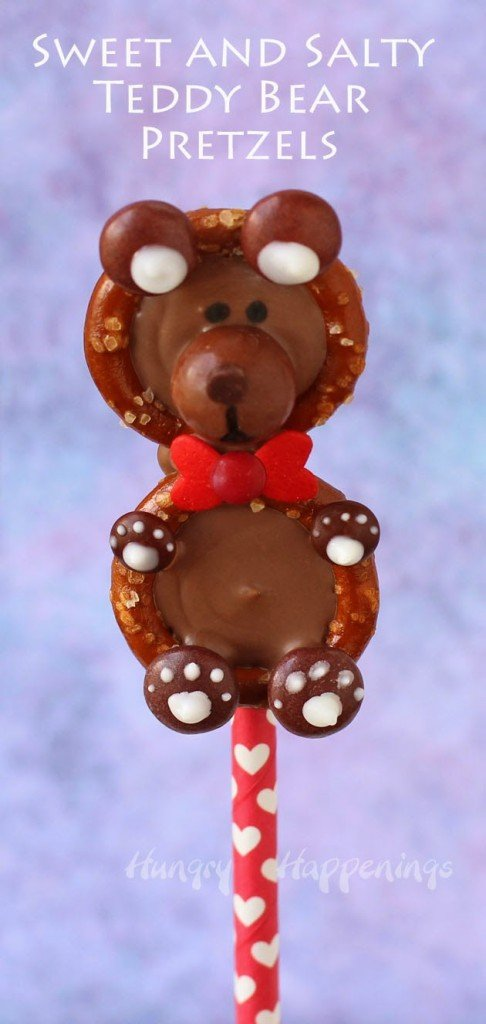 Valentine's Day Treats - Sweet and Salty Teddy Bear Pretzels from HungryHappenings.com