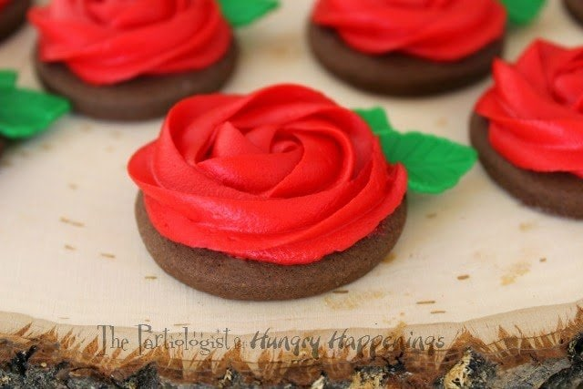 Buttercream Rose Cookies www.ThePartiologist.com