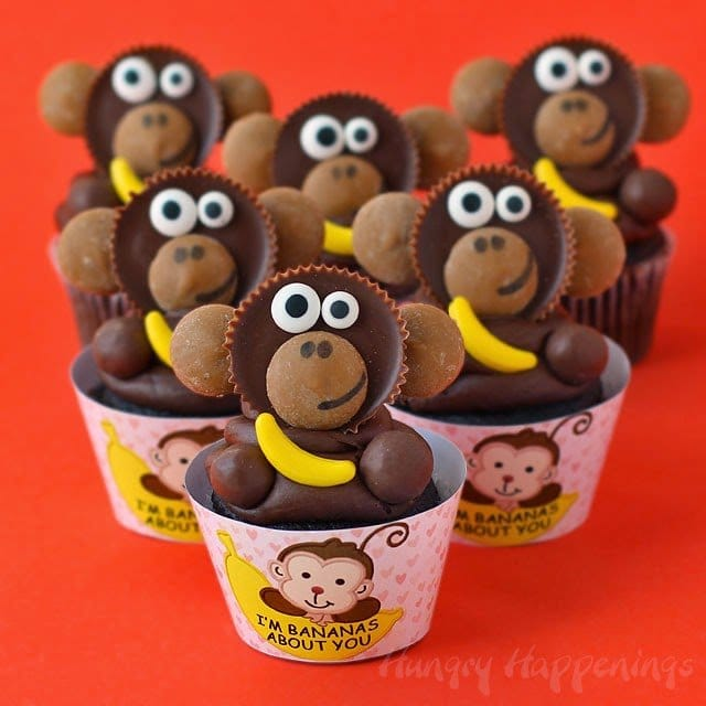 "Valentine's Day ""I'm Bananas About You"" Cupcake with Reese's Cup Monkeys form HungryHappenings.com"