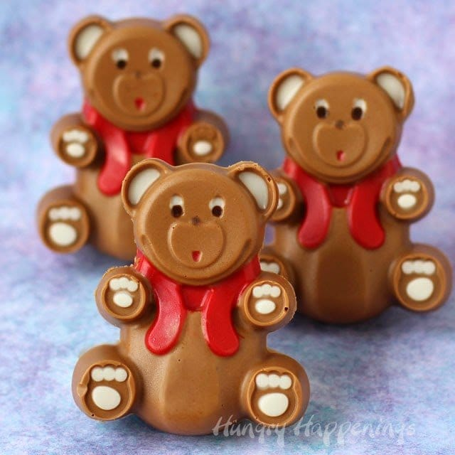 Valentine's Day Chocolate Peanut Butter Fudge Bears from HungryHappenings.com