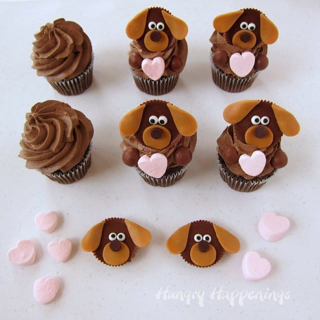 How to make Puppy Love Cupcakes. Tutorial from HungryHappenings.com