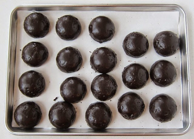 Chocolate Cherry Coke Cakes recipe from HungryHappenings.com