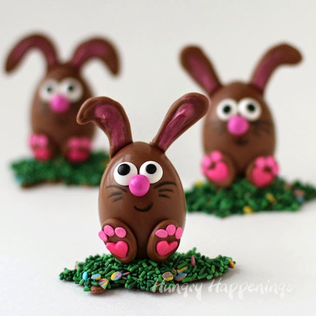 Aren't these Peanut Butter Fudge Filled Chocolate Easter Egg Bunnies adorable? You can make them. See how at HungryHappenings.com