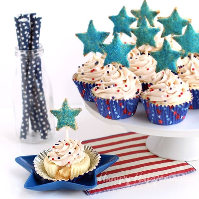 Celebrate the 4th of July with this fun twist on an American classic - Apple Pie Cupcakes with Mini Apple Pie Pop Toppers | HungryHappenings.com