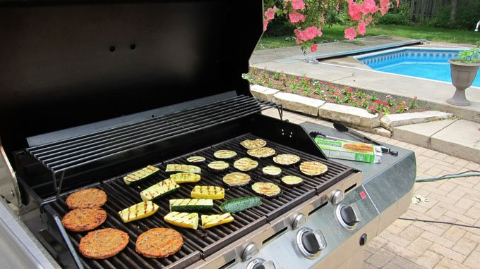 Grilled vegetables and veggie burgers make great toppings for pizzas.