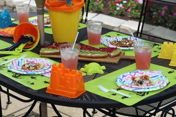 Pull together a pool party quickly and easily.