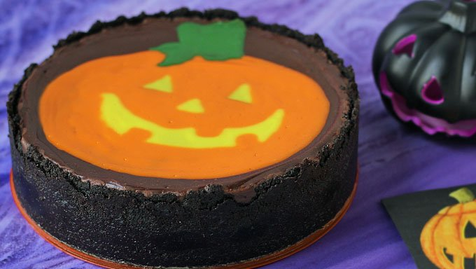Add a cool decoration to the top of a chocolate cheesecake for Halloween. If you can draw a jack-o-lantern, you can make this Painted Pumpkin Cheesecake.
