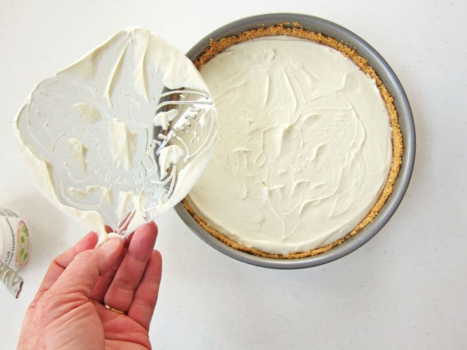 How to use a piping gel transfer to add an Eagle Scout Emblem, or any piece of art, to a cheesecake.