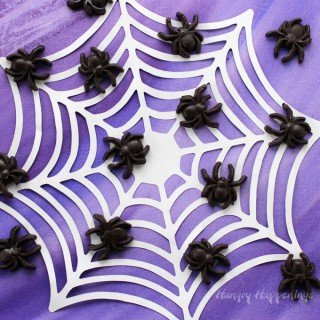 Creepy Halloween Treats – Black Caramel Spiders