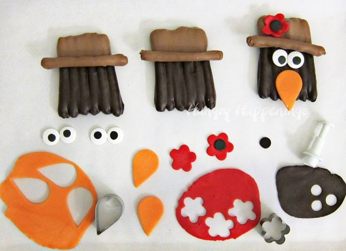 how to decorate Chocolate Pretzel Crows