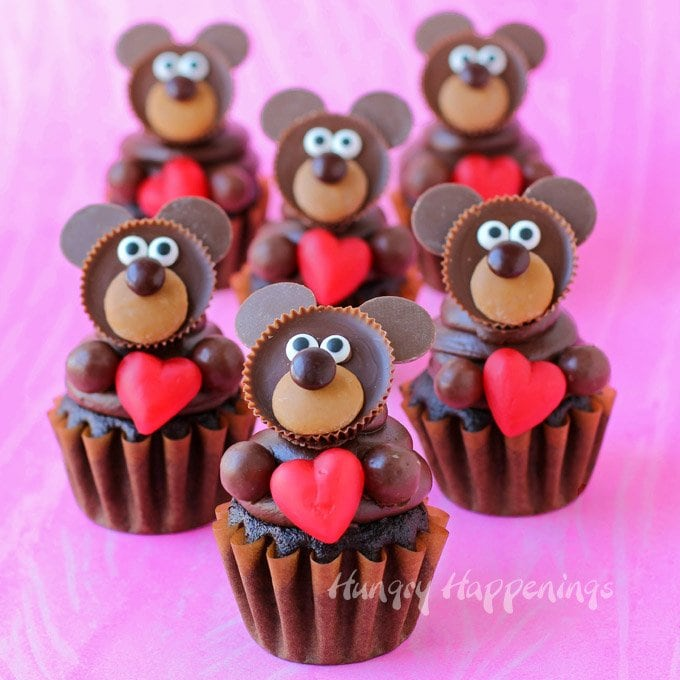 chocolate teddy bear cupcakes for valentine's day - video - hungry, Ideas