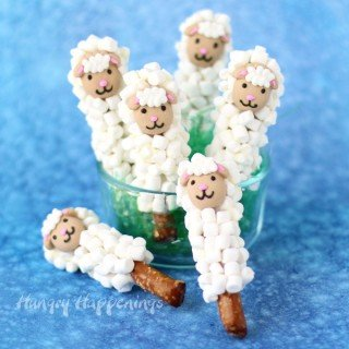 Lamb Pretzel Pops – Easy Easter Treats