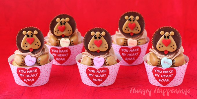 """You Make My Heart Roar"" Reese's Cup Lion Cupcakes"