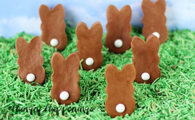 This Easter make your own homemade chocolate bunnies. These Chocolate Caramel Fudge Easter Bunnies require 2 ingredients and some white candy tails. They are super easy to make.