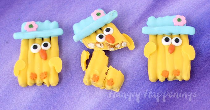 Cute Easter Chicks made out of white chocolate pretzels.