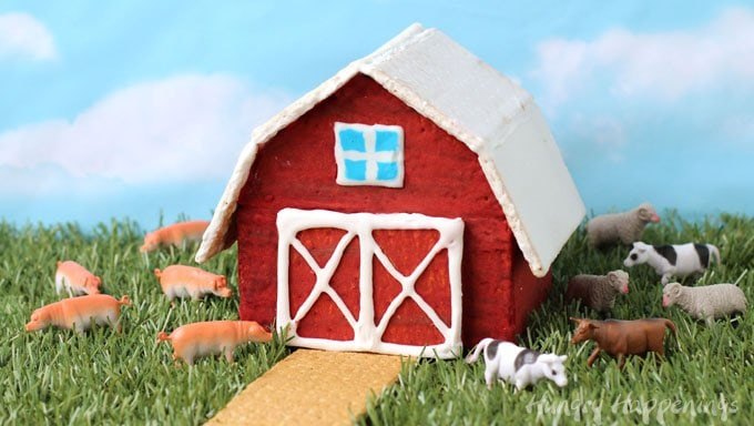 Build a Graham Cracker Barn to use as the centerpiece of your farm themed party.