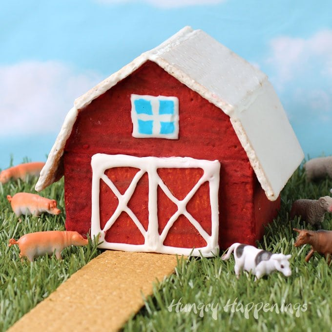 Graham cracker houses aren't just for the holidays. You can have fun making this Graham Cracker Barn any time of year.