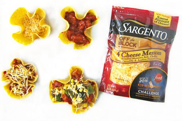 Add Sargento 4 Cheese Mexican Blend to Chicken Enchilada Bowls and toss on some Poblano Peppers and Corn to serve for dinner tonight.