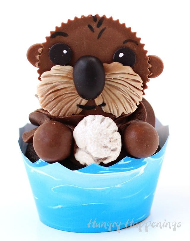 Finding Dory Sea Otter Cupcakes topped with decorated Reese's Cups make perfect treats for the kid in all of us.