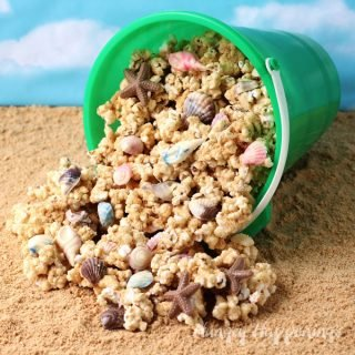 Peanut Butter Popcorn Speckled with Chocolate Sea Shells – Beach Party Popcorn