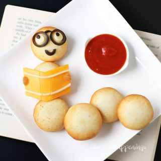 Back to School Snack – Farm Rich Mozzarella Bites Bookworm