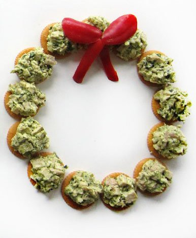 Pesto Chicken Salad RITZ Cracker Wreath recipe