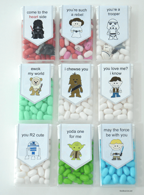 Star Wars Valentine Candy made with tic tacs make fun classroom treats