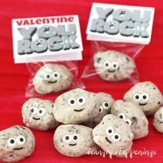 "Cute Cookies 'n Cream Fudge Rocks with ""You Rock"" Valentine Printable Tags"