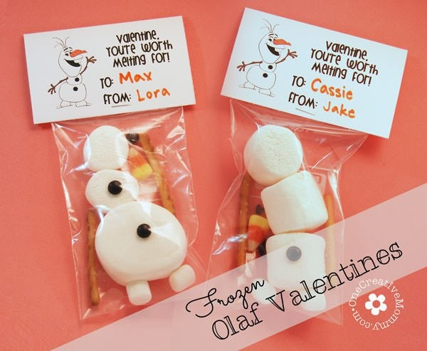 Frozen Olaf Valentines made with marshmallows, pretzels, and candy corn make the cutest classroom treats