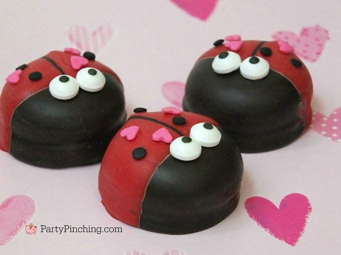 Love Bug Marshmallow Cookies make super cute classroom Valentine's Day Treats