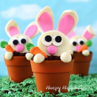 Carrot Thief Cupcakes – Reese's Cup Bunnies in Terra Cotta Pot Cupcakes