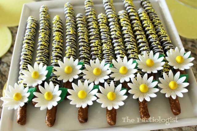 pretty Chocolate Daisy Pretzels