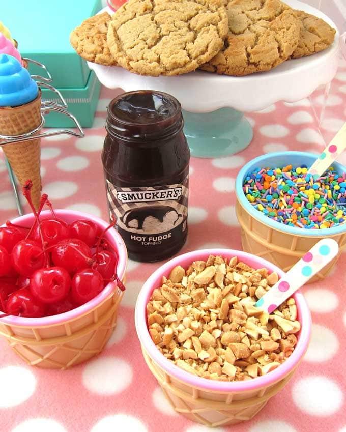 hot fudge sundae ice cream bar