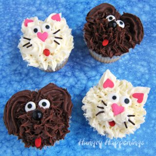 Chocolate Dog Cupcakes and Vanilla Cat Cupcakes