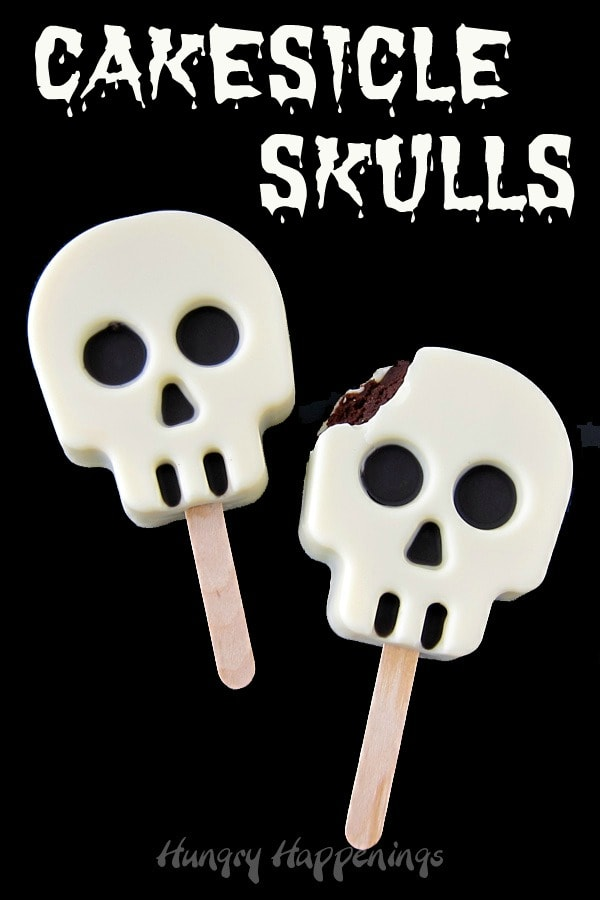 Skull Cakesicles make great Halloween or Day of the Dead desserts.